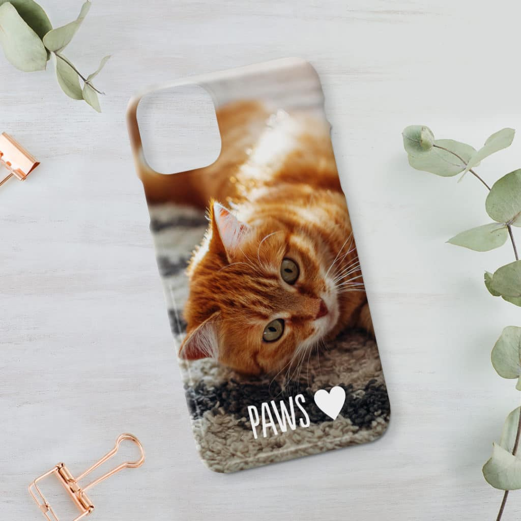 Phone case with photo of cat