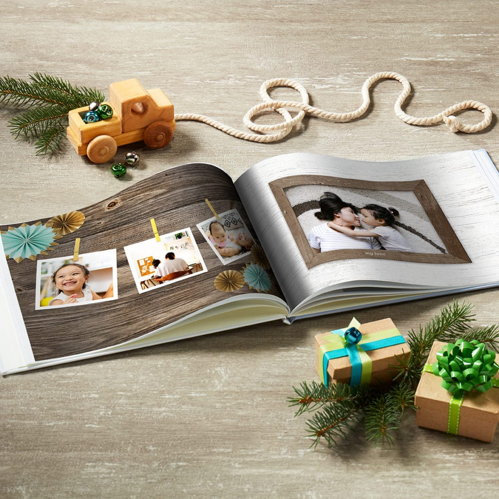 Create baby year books that showcase all their firsts and milestones